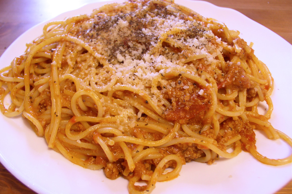 spaghetti_bolognese_talerz-przepis