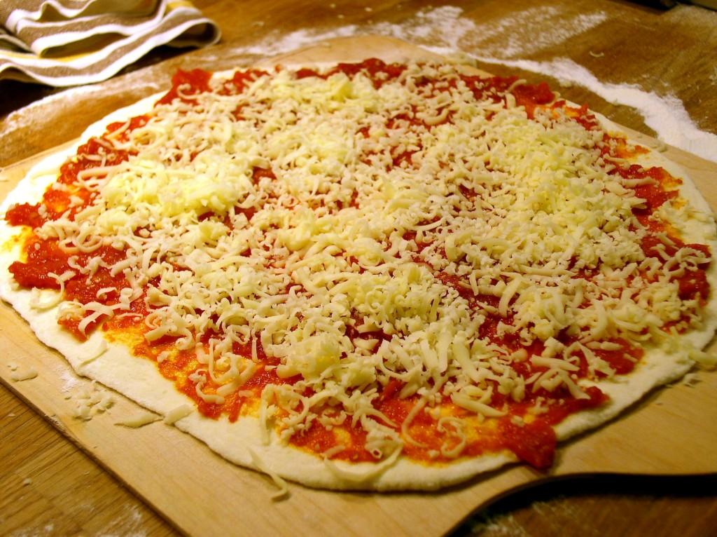 pizza_rzymska_ciasto_sos_ser.