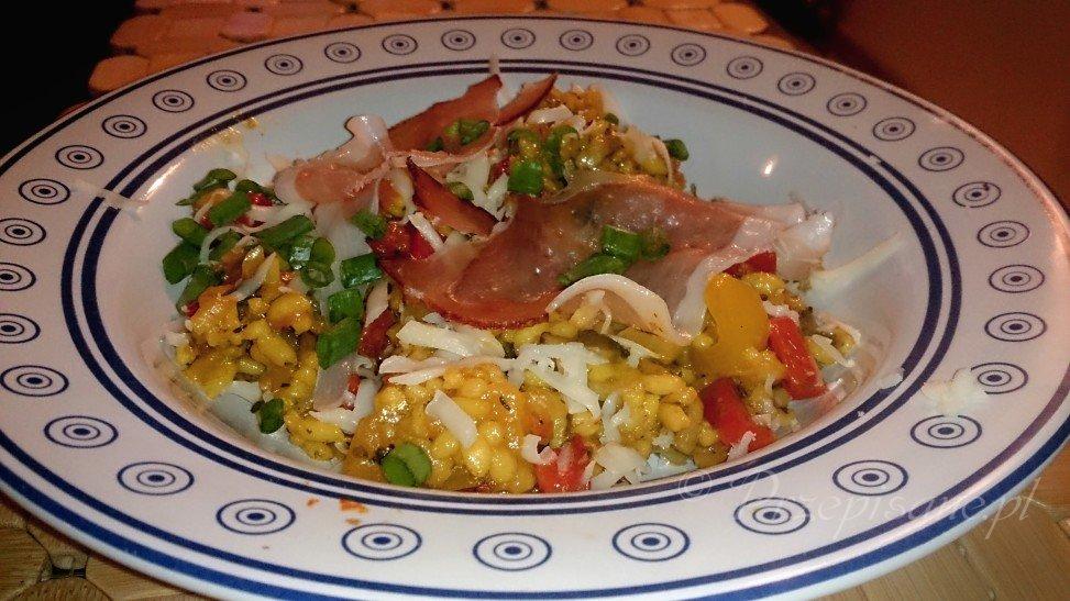 Risotto z warzywami, szynką parmeńską i szczypiorkiem  przepis