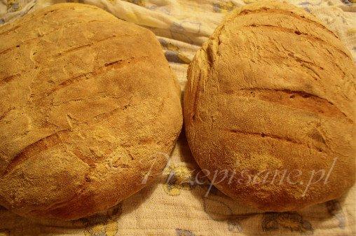 klasyczny-wiejski-chleb-pszenny-na-zakwasie-pszennym
