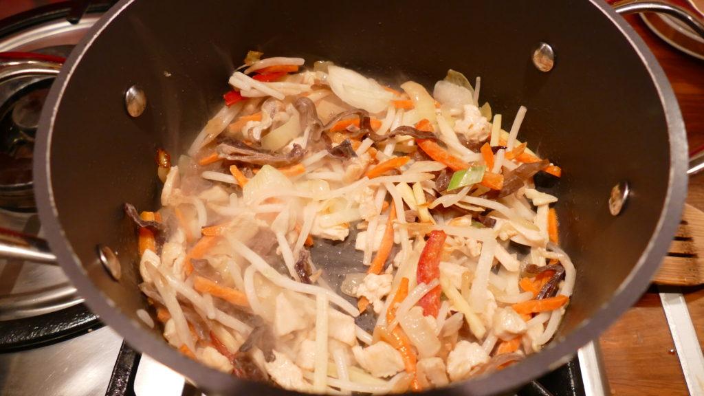 zupa-miso-dodawanie-warzyw