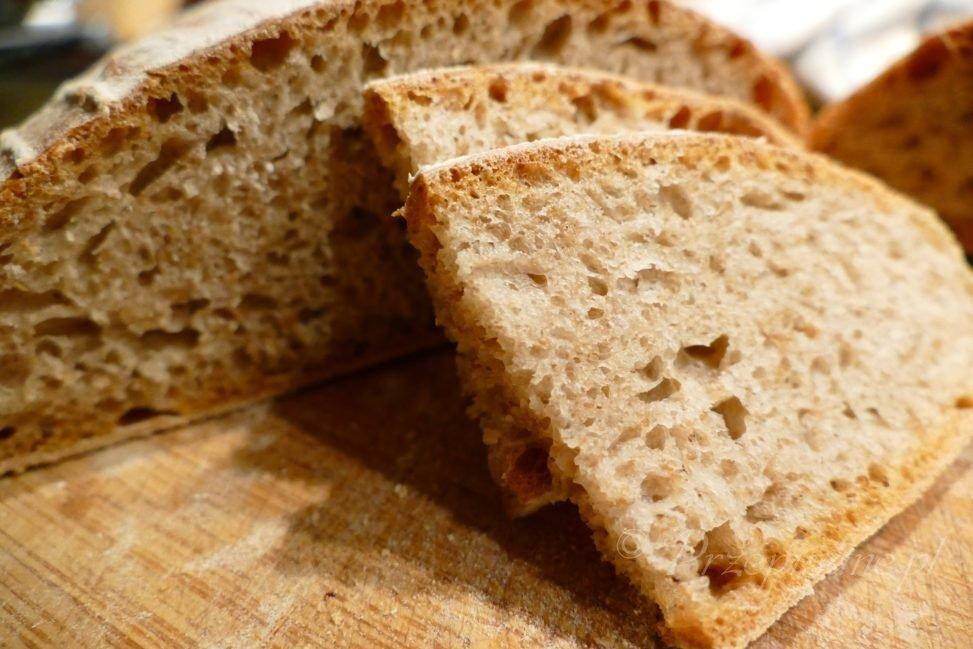 chleb-wiejski-przepis-kromka