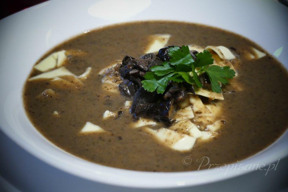 wigilijna-zupa-grzybowa-przepis-zoom