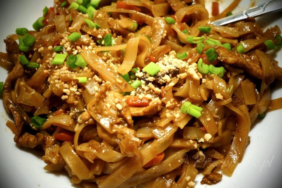 makaron-ryzowy-z-wieprzowina-hoisin-chinszczyzna-przepis